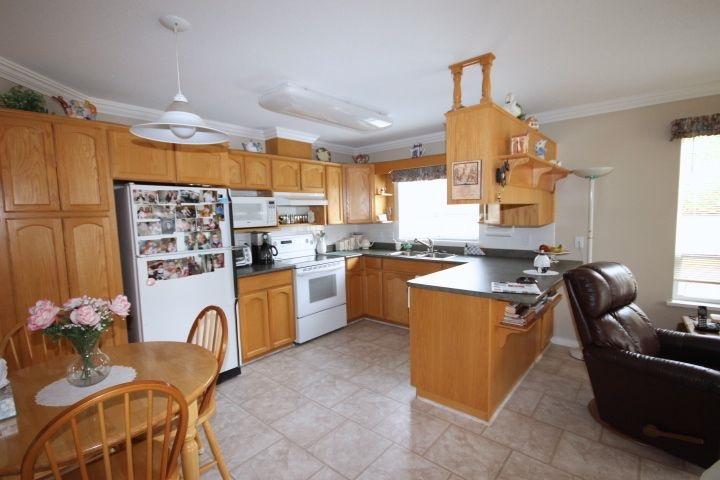 Condo Apartment at 34 31406 UPPER MACLURE ROAD, Unit 34, Abbotsford, British Columbia. Image 6