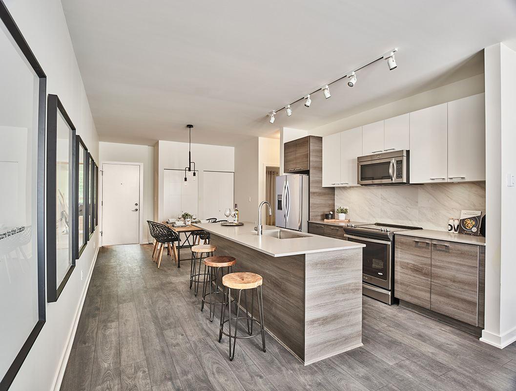 Condo Apartment at 306 10603 140 STREET, Unit 306, North Surrey, British Columbia. Image 3