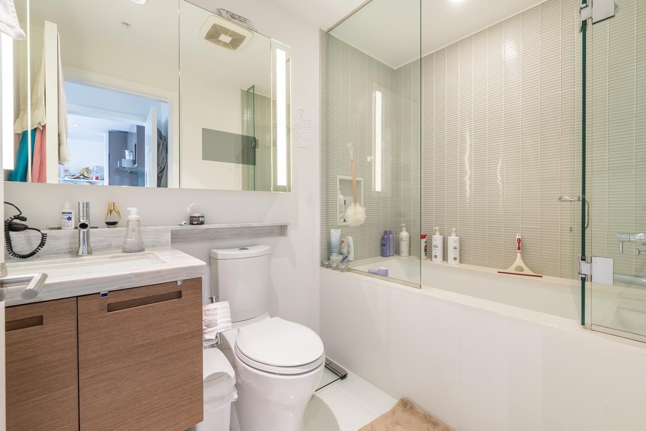 Condo Apartment at 2110 777 RICHARDS STREET, Unit 2110, Vancouver West, British Columbia. Image 7