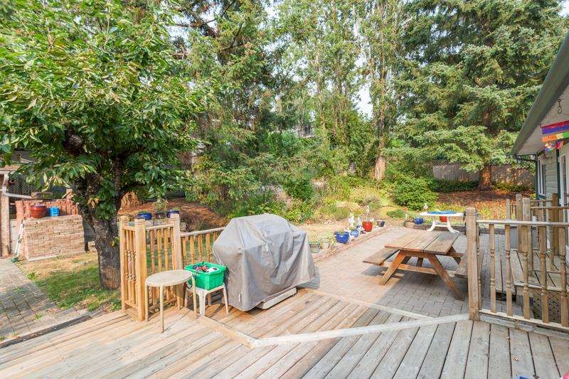 Detached at 10621 WESTSIDE DRIVE, N. Delta, British Columbia. Image 16