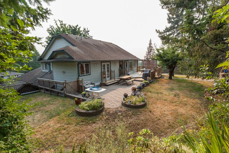 Detached at 10621 WESTSIDE DRIVE, N. Delta, British Columbia. Image 19