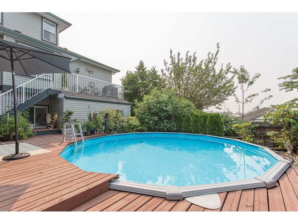 Detached at 8351 MELBURN COURT, Mission, British Columbia. Image 2