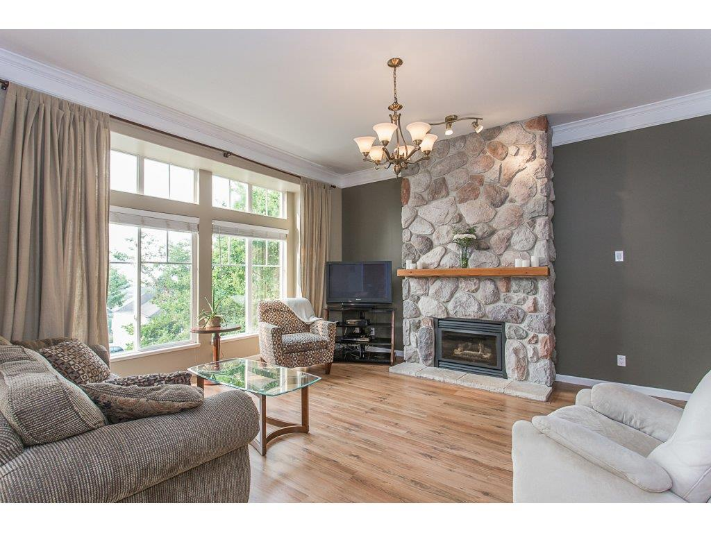 Detached at 8351 MELBURN COURT, Mission, British Columbia. Image 3