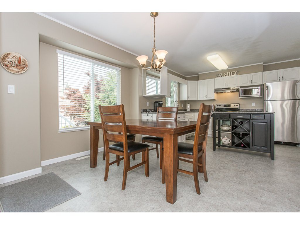 Detached at 8351 MELBURN COURT, Mission, British Columbia. Image 6