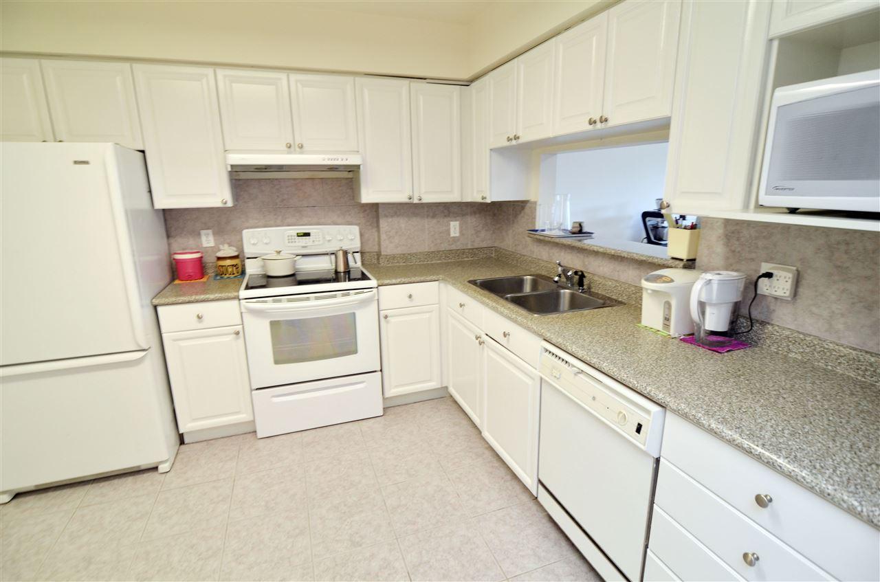 Condo Apartment at 207 1180 PINETREE WAY, Unit 207, Coquitlam, British Columbia. Image 5