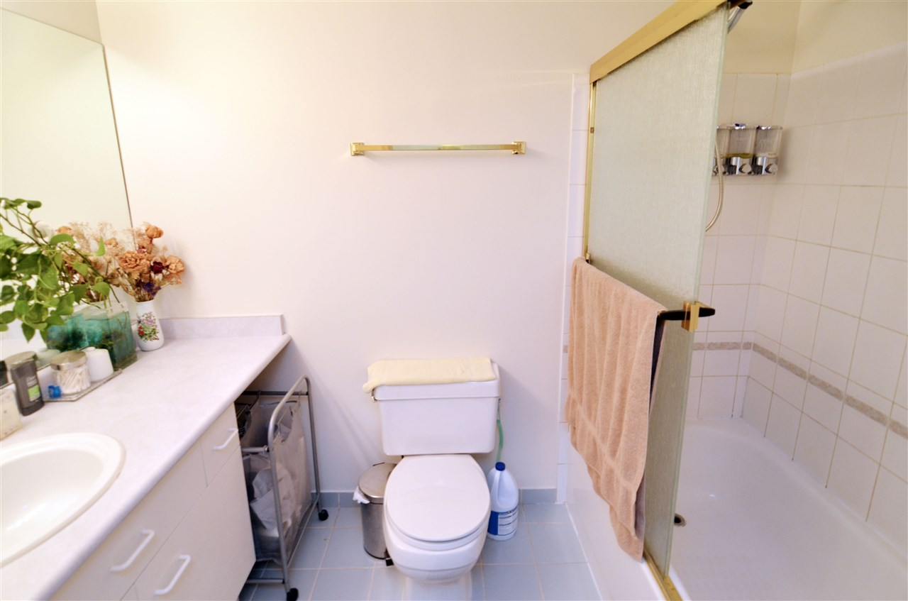 Condo Apartment at 207 1180 PINETREE WAY, Unit 207, Coquitlam, British Columbia. Image 6