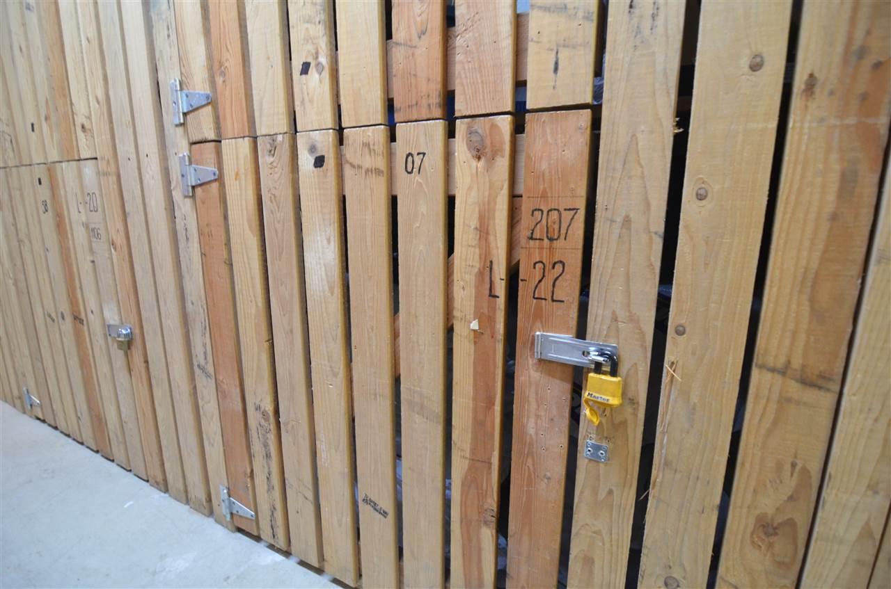 Condo Apartment at 207 1180 PINETREE WAY, Unit 207, Coquitlam, British Columbia. Image 13