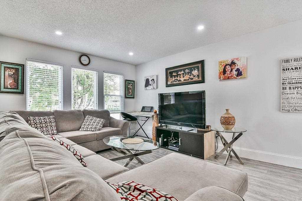 Detached at 9071 139 STREET, Surrey, British Columbia. Image 3