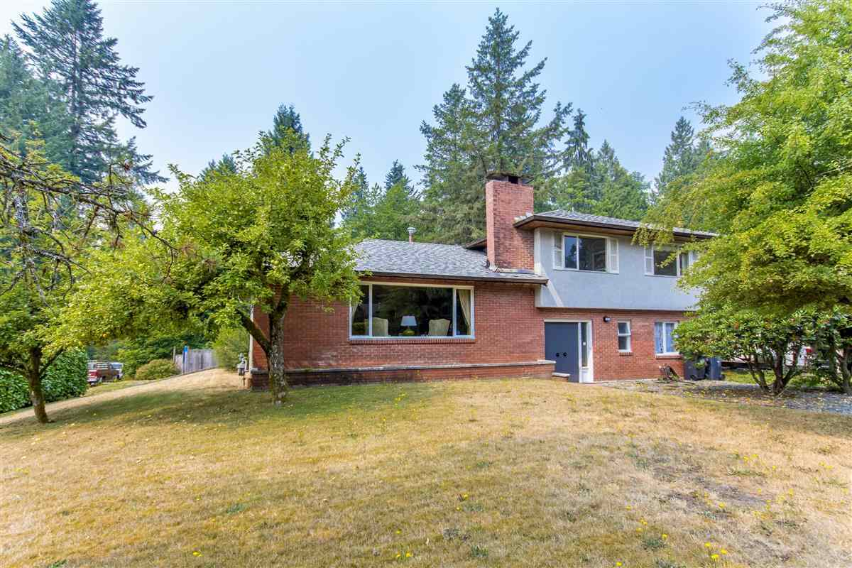Detached at 4019 HOSKINS ROAD, North Vancouver, British Columbia. Image 1