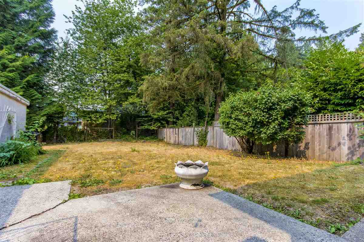 Detached at 4019 HOSKINS ROAD, North Vancouver, British Columbia. Image 8