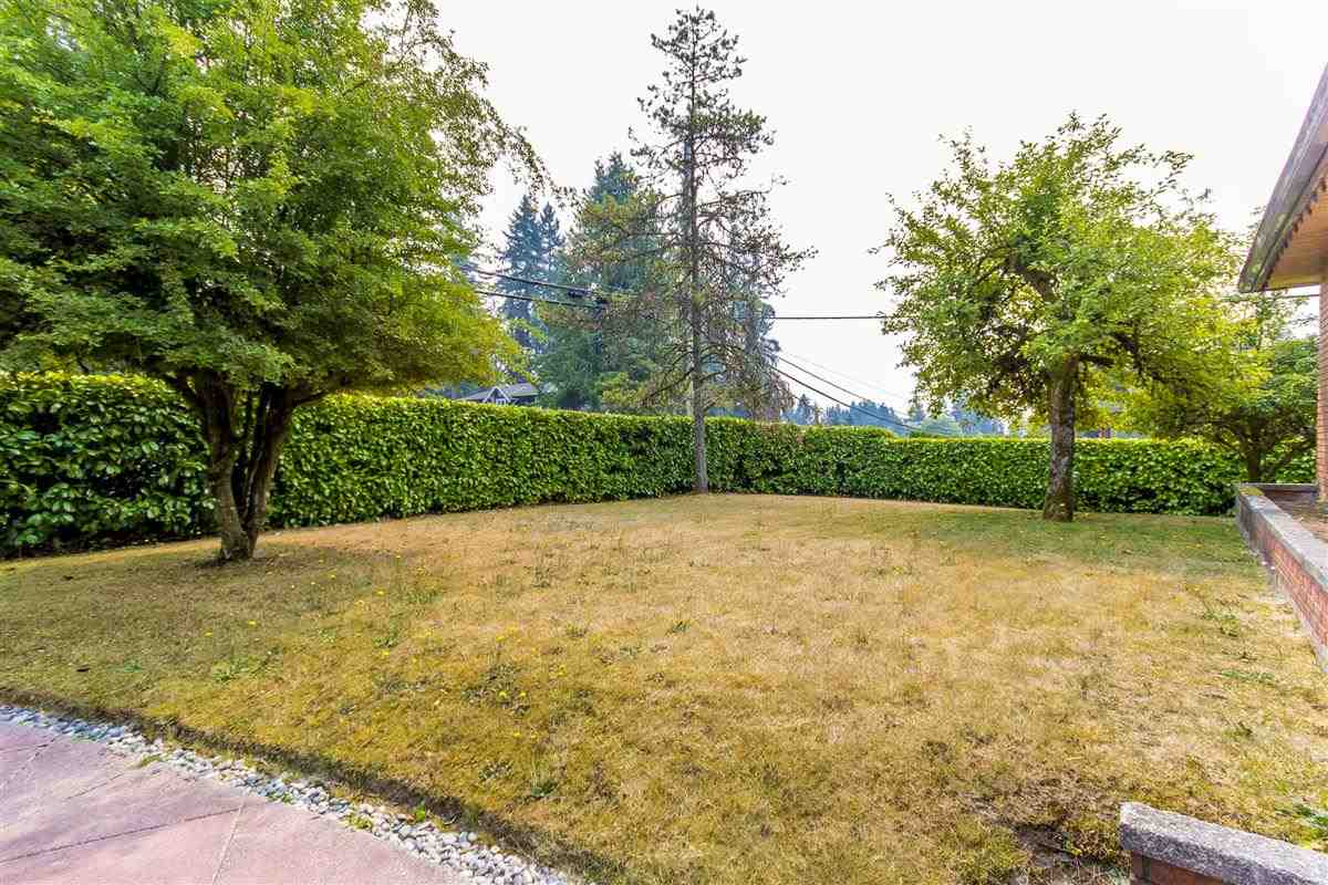 Detached at 4019 HOSKINS ROAD, North Vancouver, British Columbia. Image 9