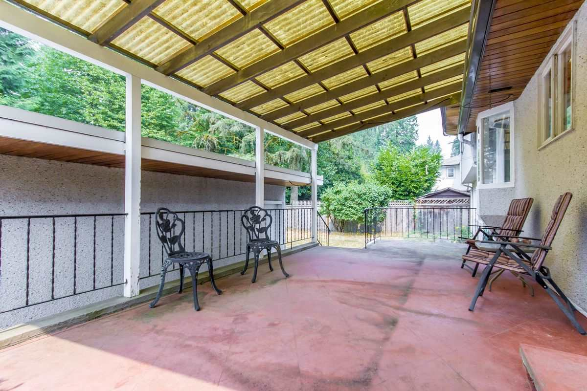Detached at 4019 HOSKINS ROAD, North Vancouver, British Columbia. Image 11