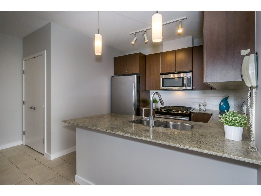 Condo Apartment at 1907 280 ROSS DRIVE, Unit 1907, New Westminster, British Columbia. Image 5