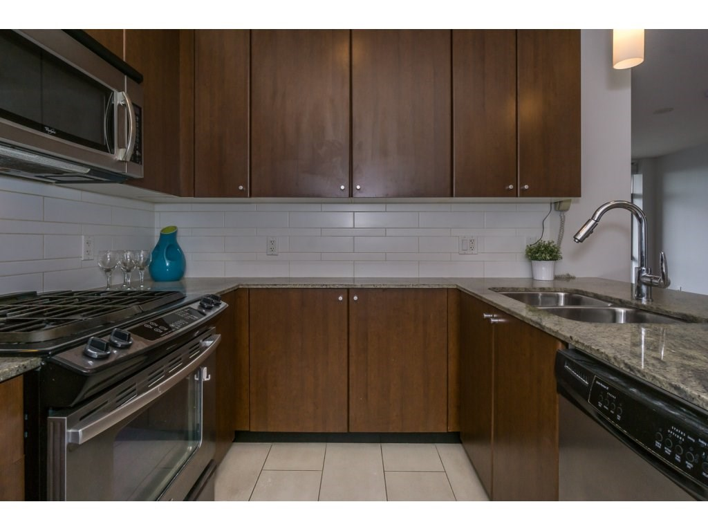 Condo Apartment at 1907 280 ROSS DRIVE, Unit 1907, New Westminster, British Columbia. Image 6