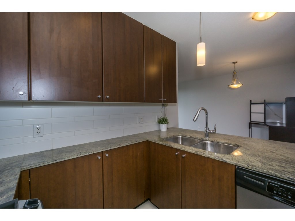 Condo Apartment at 1907 280 ROSS DRIVE, Unit 1907, New Westminster, British Columbia. Image 7
