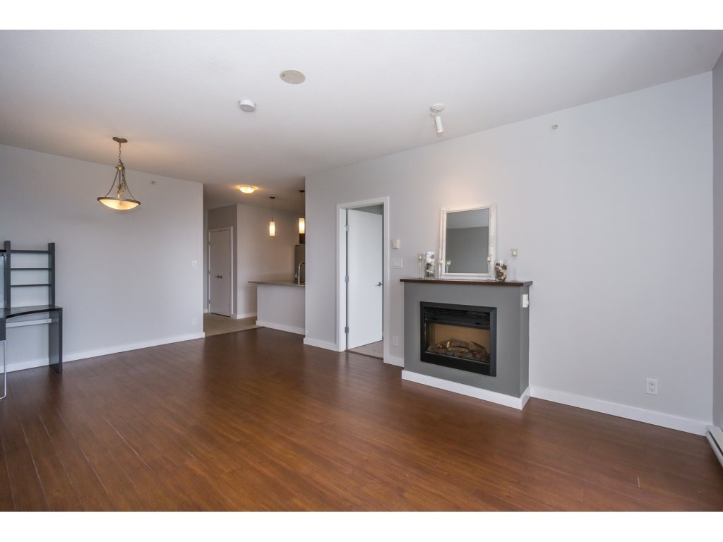 Condo Apartment at 1907 280 ROSS DRIVE, Unit 1907, New Westminster, British Columbia. Image 11
