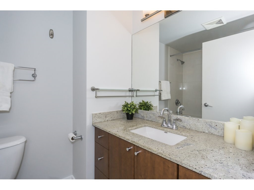 Condo Apartment at 1907 280 ROSS DRIVE, Unit 1907, New Westminster, British Columbia. Image 13