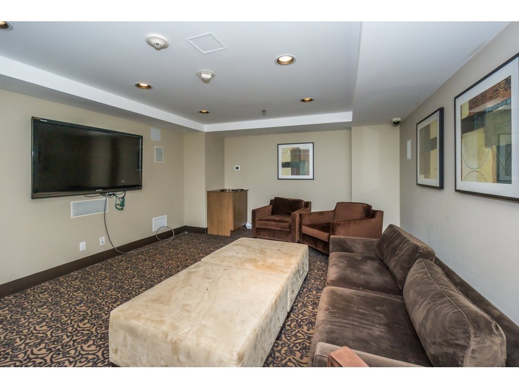 Condo Apartment at 1907 280 ROSS DRIVE, Unit 1907, New Westminster, British Columbia. Image 17