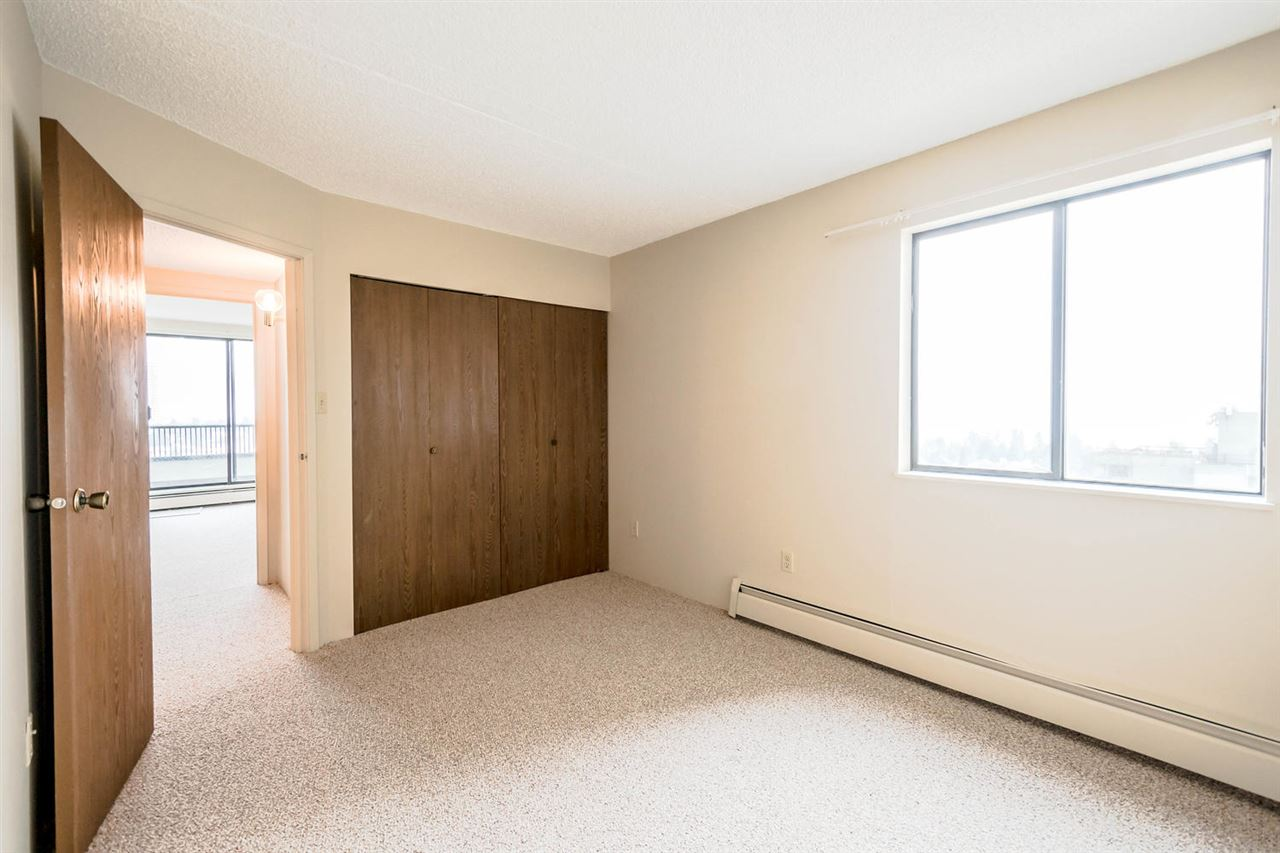 Condo Apartment at 1705 6595 WILLINGDON AVENUE, Unit 1705, Burnaby South, British Columbia. Image 7