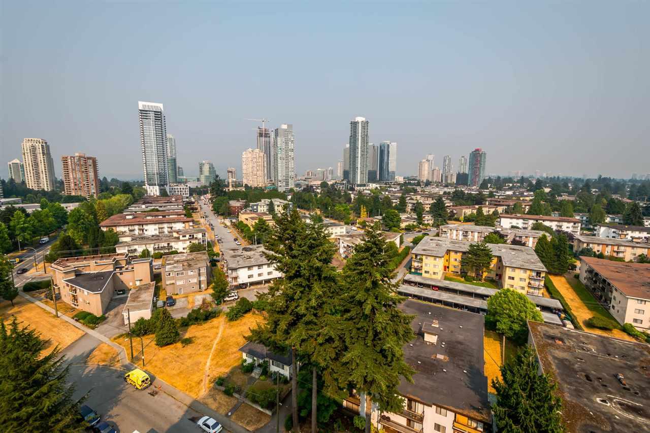 Condo Apartment at 1705 6595 WILLINGDON AVENUE, Unit 1705, Burnaby South, British Columbia. Image 13
