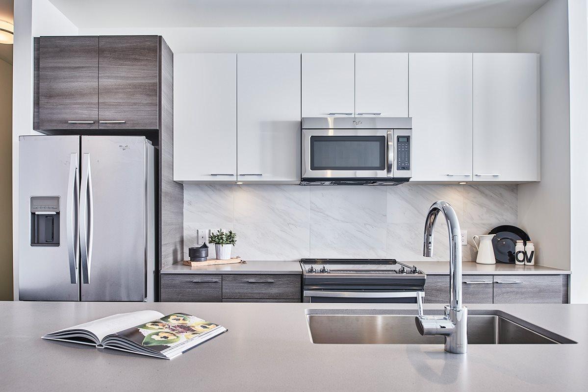 Condo Apartment at 417 13963 105A AVENUE, Unit 417, North Surrey, British Columbia. Image 5