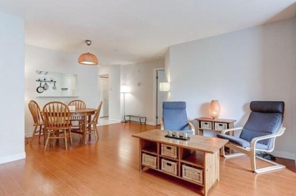 Condo Apartment at 302 2405 KAMLOOPS STREET, Unit 302, Vancouver East, British Columbia. Image 2