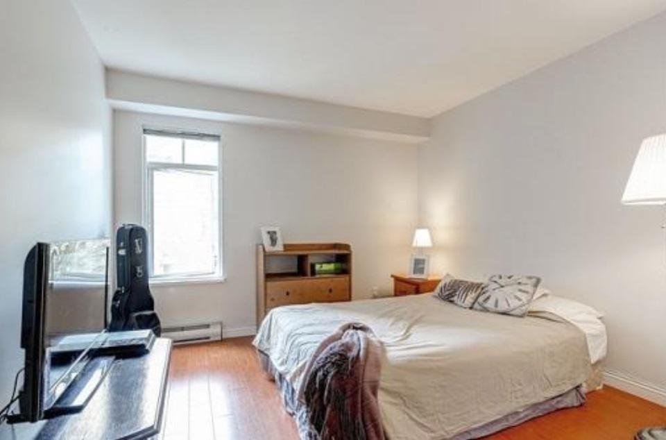 Condo Apartment at 302 2405 KAMLOOPS STREET, Unit 302, Vancouver East, British Columbia. Image 5
