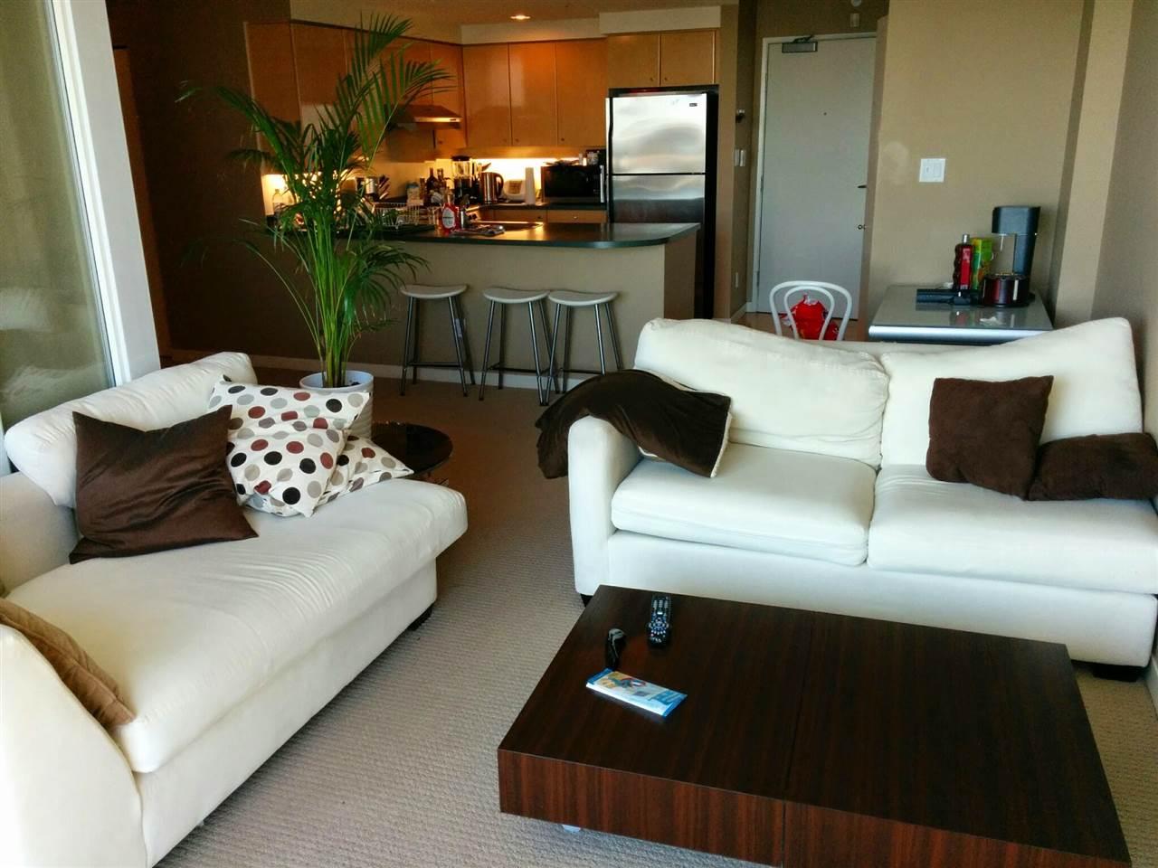 Condo Apartment at 3305 1009 EXPO BOULEVARD, Unit 3305, Vancouver West, British Columbia. Image 3