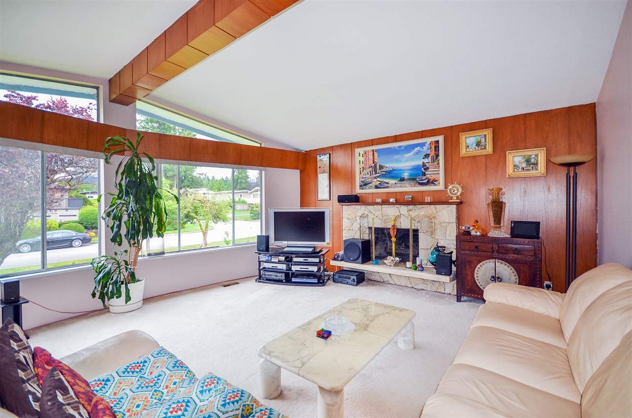 Detached at 7550 DORCHESTER DRIVE, Burnaby North, British Columbia. Image 2