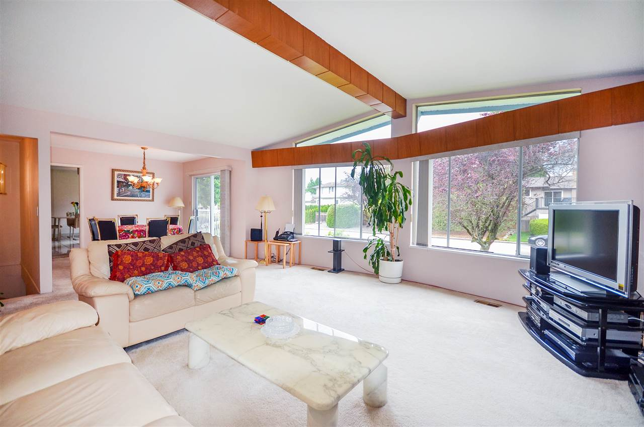 Detached at 7550 DORCHESTER DRIVE, Burnaby North, British Columbia. Image 3