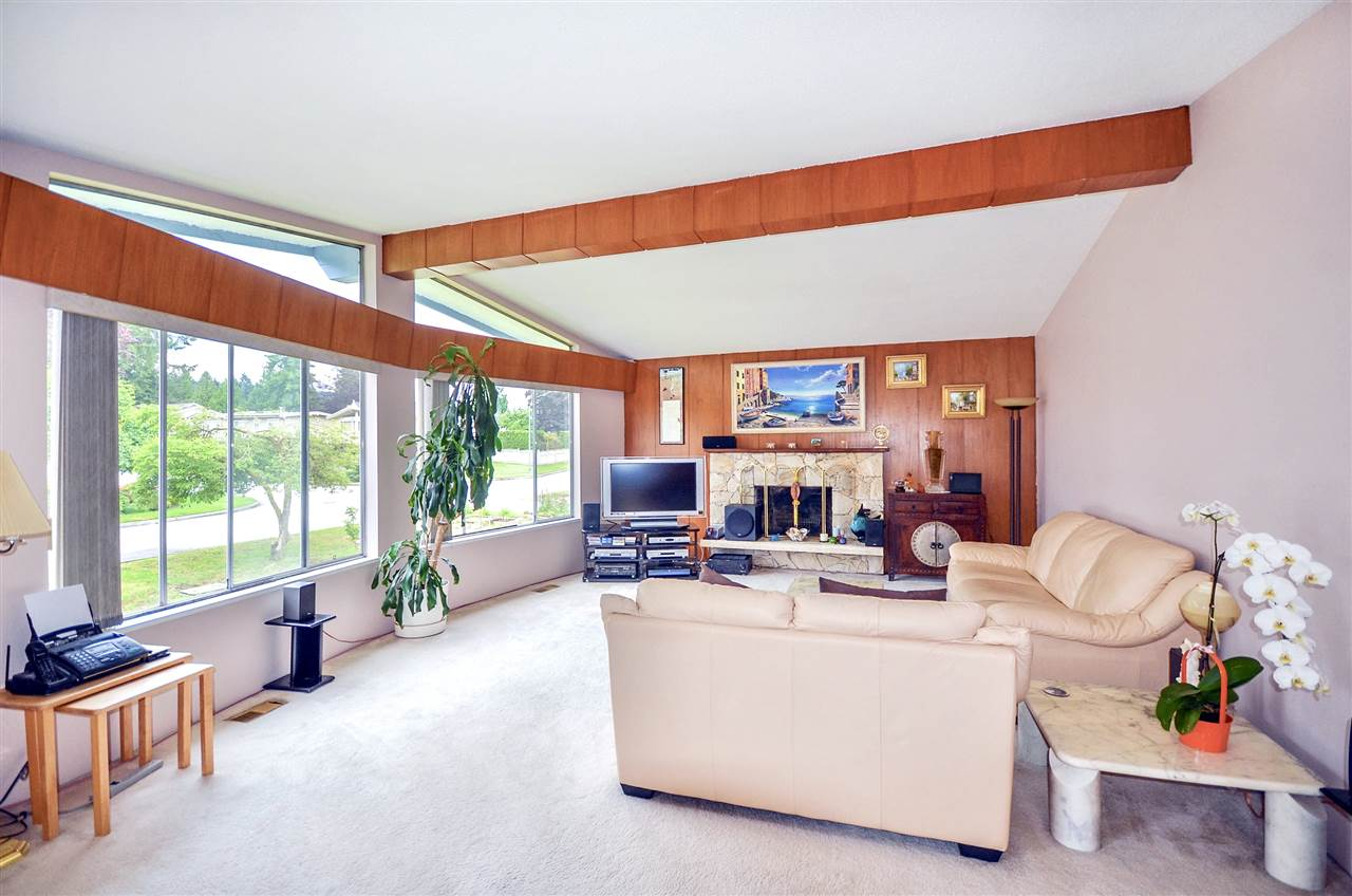 Detached at 7550 DORCHESTER DRIVE, Burnaby North, British Columbia. Image 4