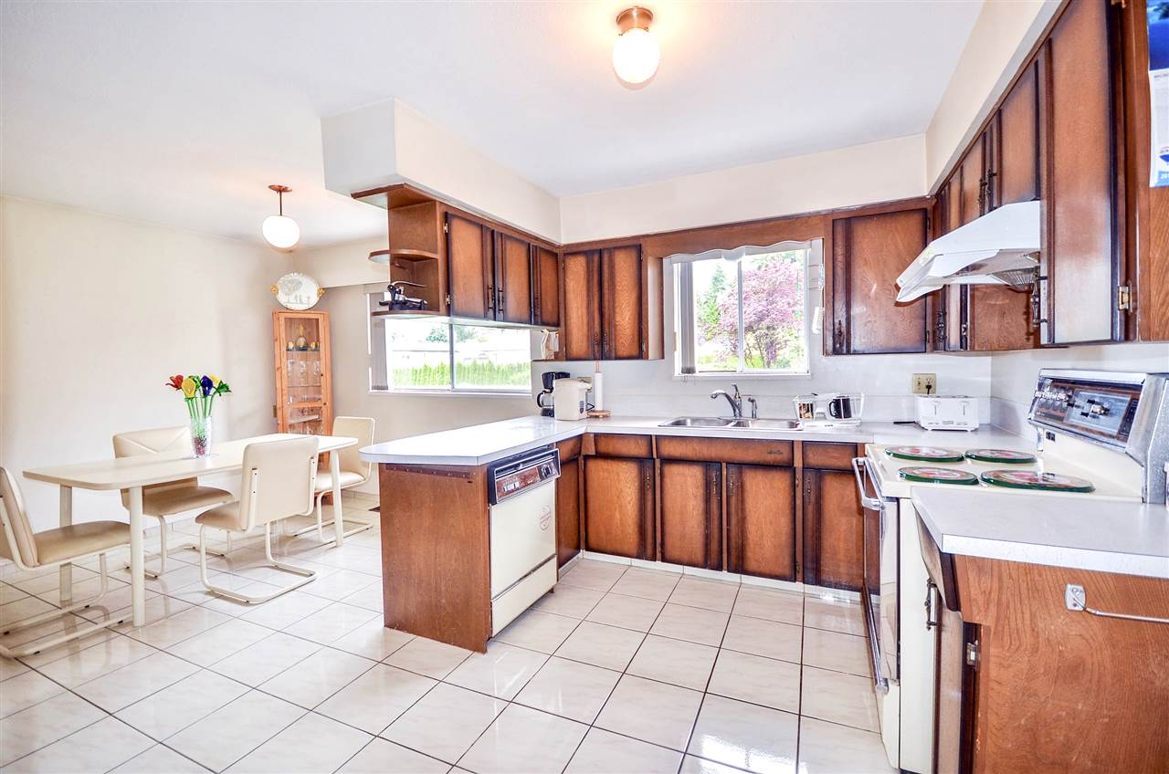 Detached at 7550 DORCHESTER DRIVE, Burnaby North, British Columbia. Image 9