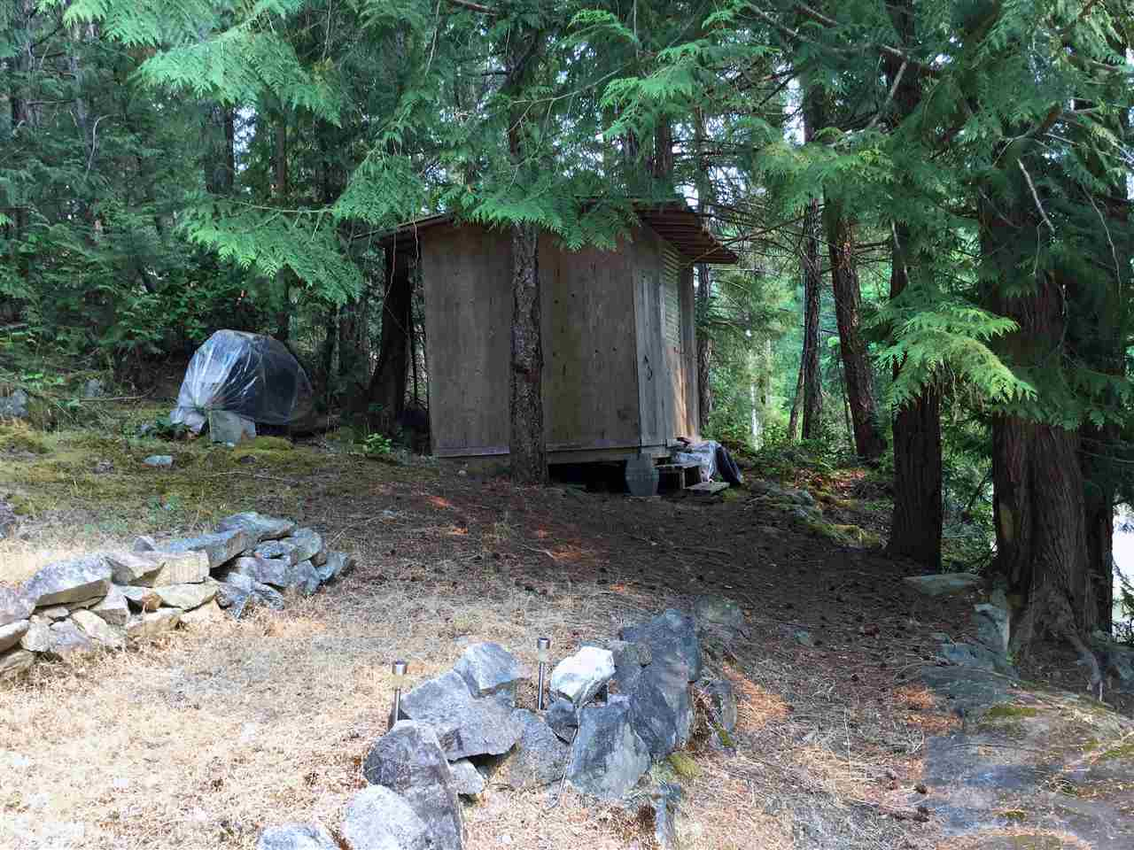 Detached at 12715 LAGOON ROAD, Sunshine Coast, British Columbia. Image 20