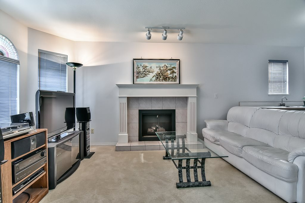 Detached at 7582 IMPERIAL STREET, Burnaby South, British Columbia. Image 2