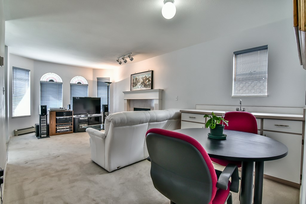 Detached at 7582 IMPERIAL STREET, Burnaby South, British Columbia. Image 3
