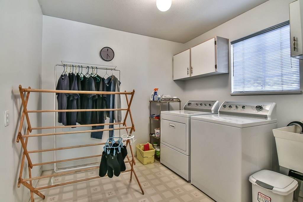 Detached at 7582 IMPERIAL STREET, Burnaby South, British Columbia. Image 8