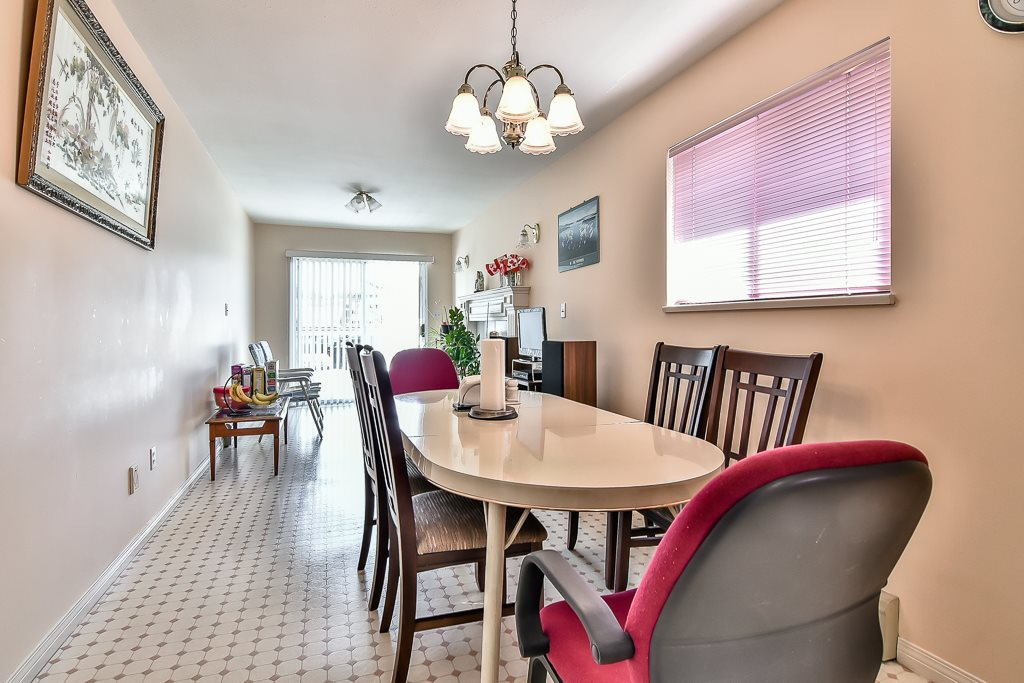Detached at 7582 IMPERIAL STREET, Burnaby South, British Columbia. Image 13