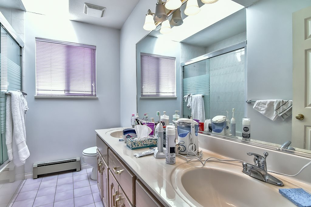 Detached at 7582 IMPERIAL STREET, Burnaby South, British Columbia. Image 15