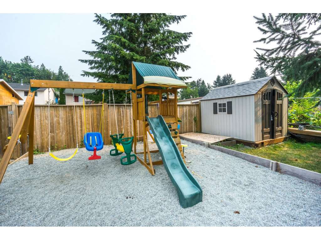 Detached at 32729 BADGER AVENUE, Mission, British Columbia. Image 17