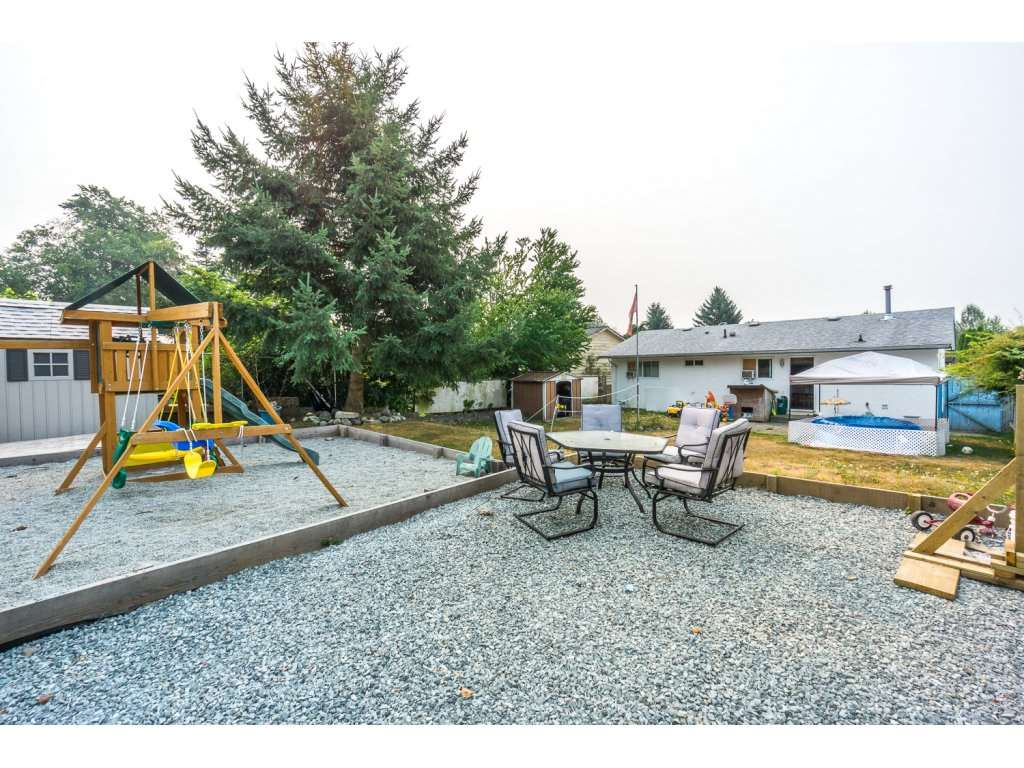 Detached at 32729 BADGER AVENUE, Mission, British Columbia. Image 18