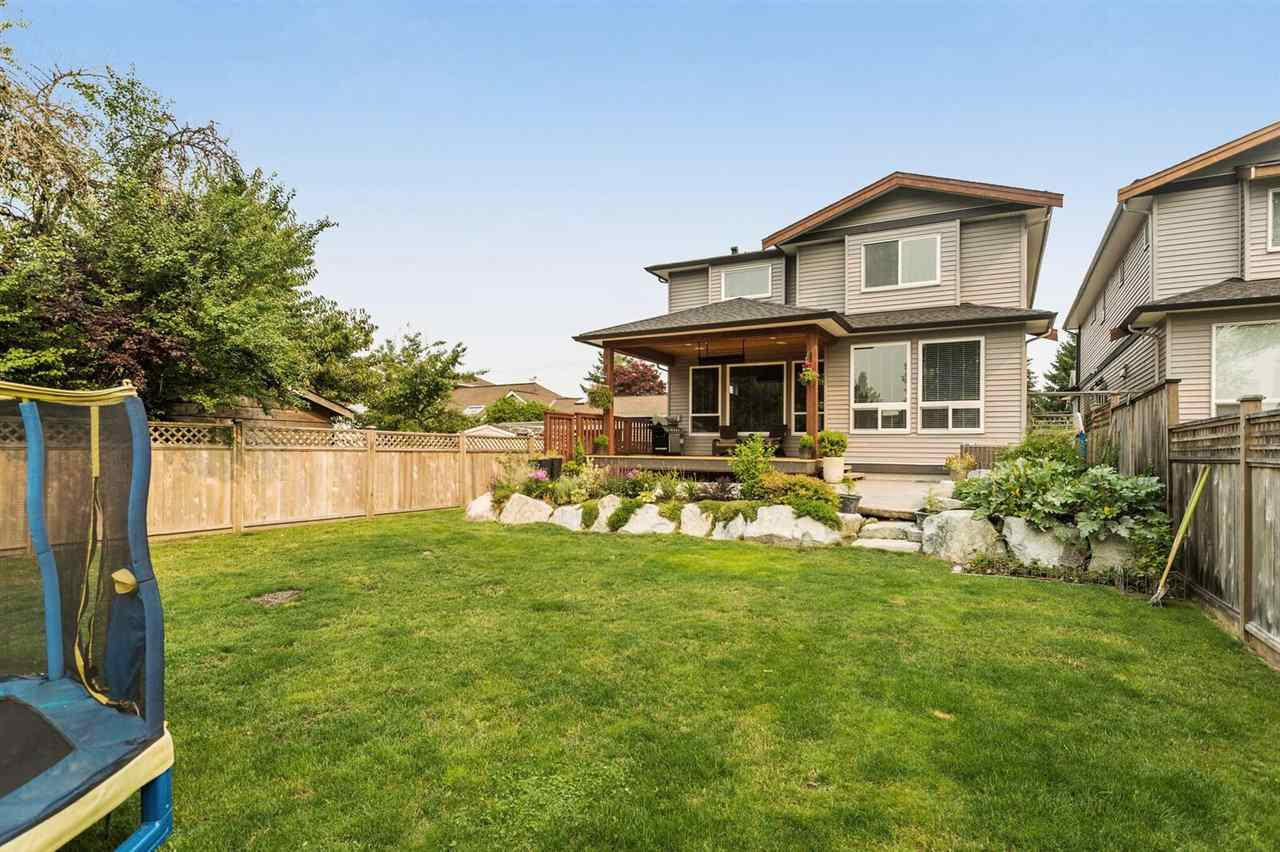 Detached at 21434 121 AVENUE, Maple Ridge, British Columbia. Image 2
