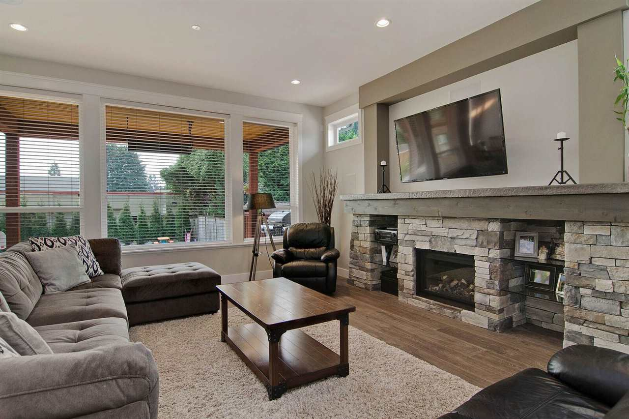 Detached at 21434 121 AVENUE, Maple Ridge, British Columbia. Image 7