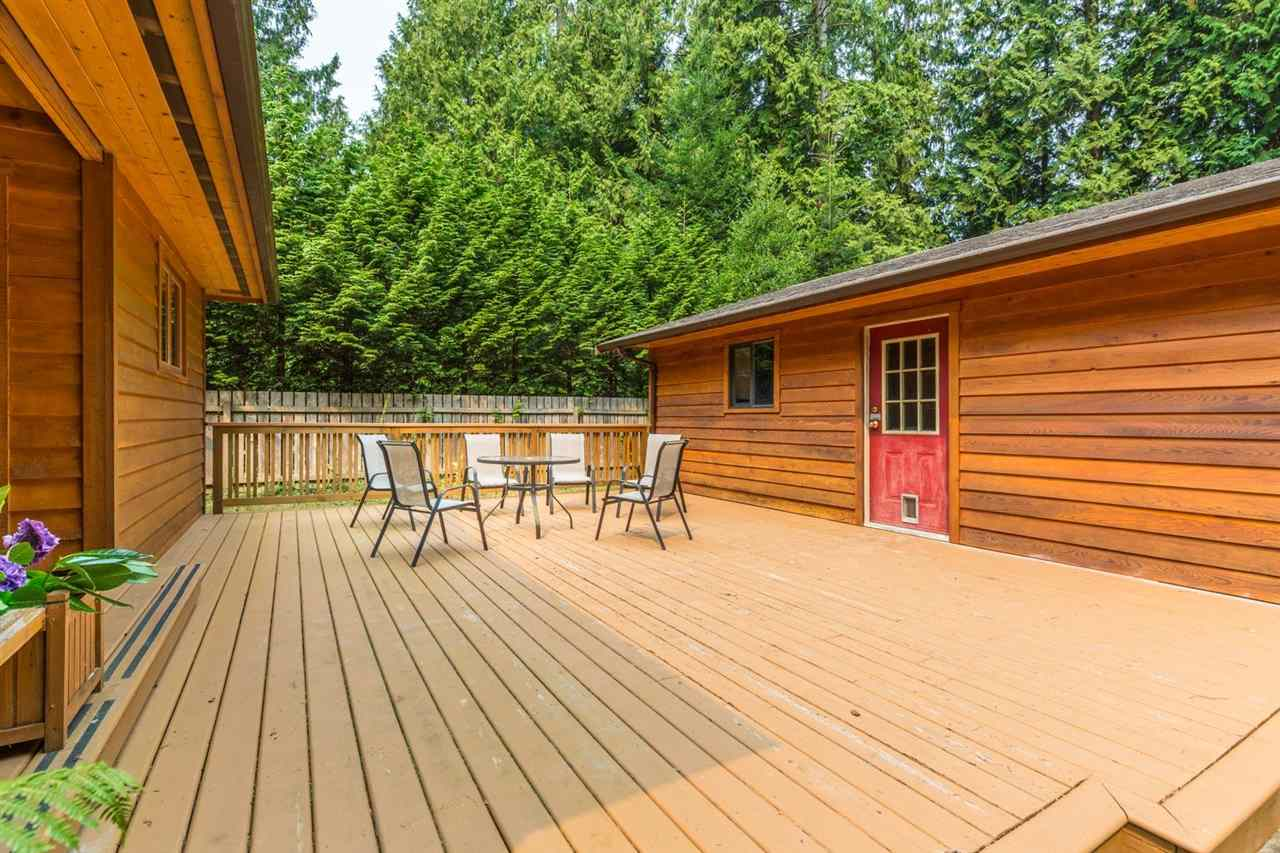 Detached at 3160 BEACH AVENUE, Sunshine Coast, British Columbia. Image 14