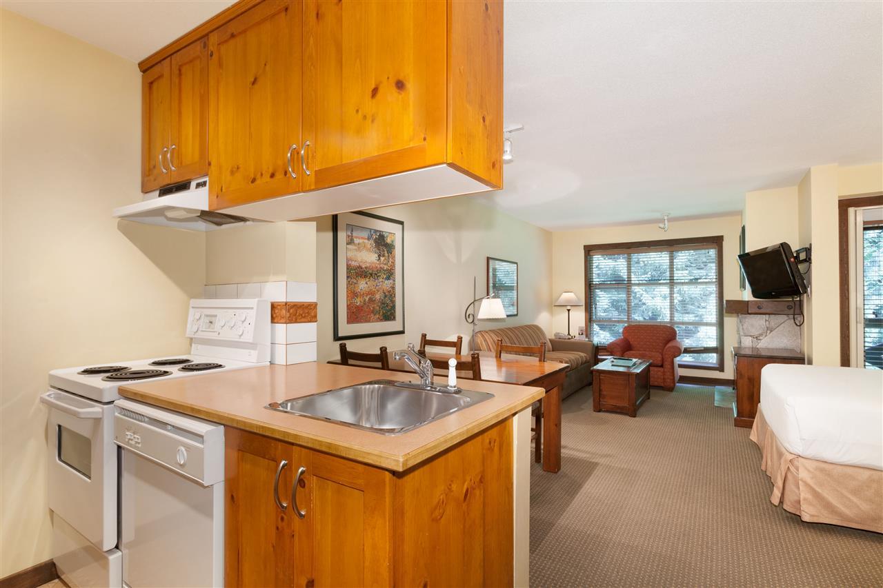 Condo Apartment at 620 4899 PAINTED CLIFF ROAD, Unit 620, Whistler, British Columbia. Image 5