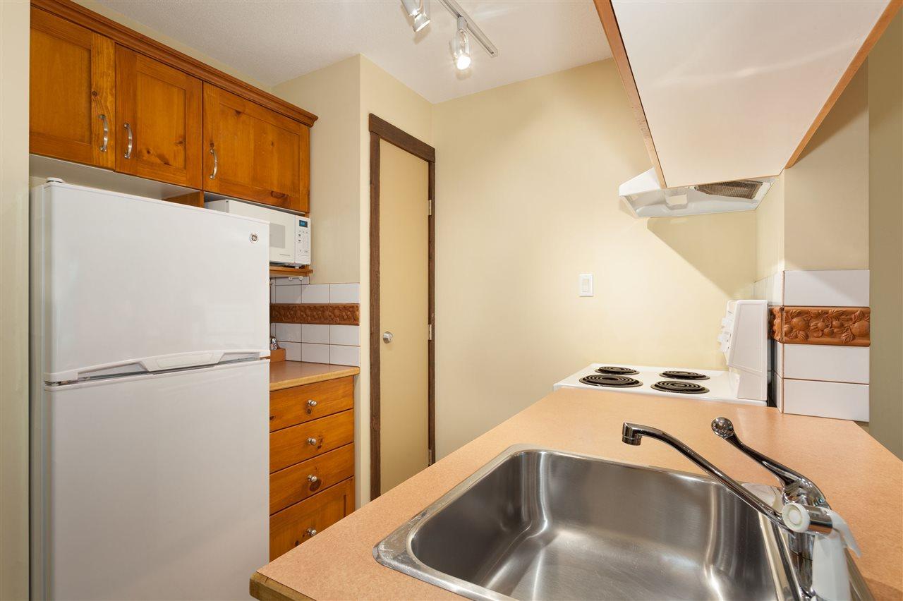 Condo Apartment at 620 4899 PAINTED CLIFF ROAD, Unit 620, Whistler, British Columbia. Image 6