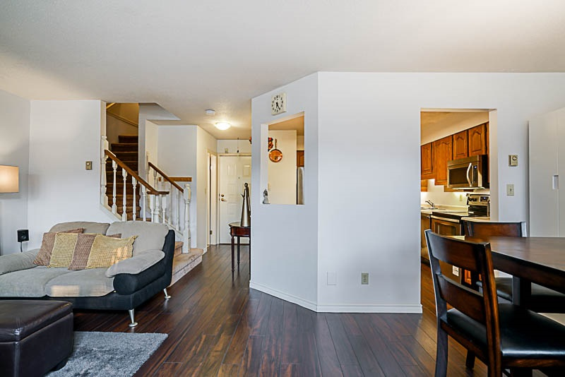Condo Apartment at 111 777 EIGHTH STREET, Unit 111, New Westminster, British Columbia. Image 5