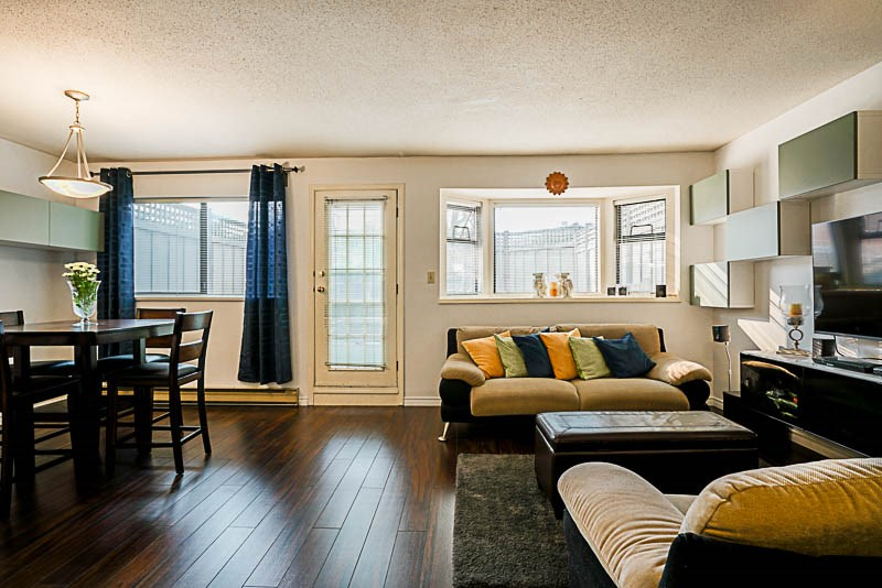 Condo Apartment at 111 777 EIGHTH STREET, Unit 111, New Westminster, British Columbia. Image 7