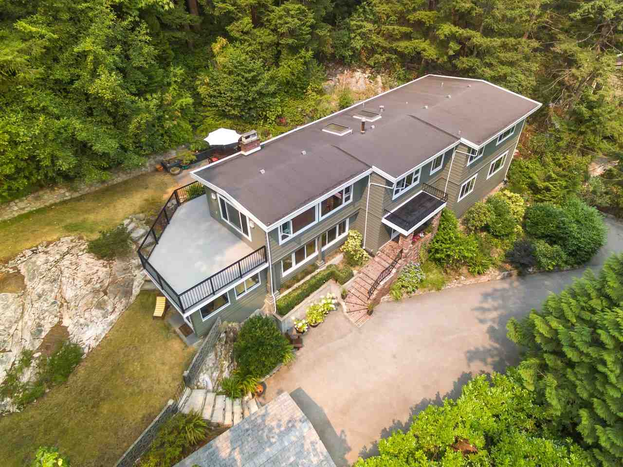 Detached at 6801-6803 HYCROFT ROAD, West Vancouver, British Columbia. Image 1