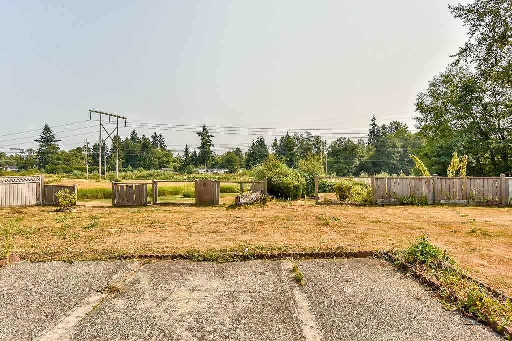 Detached at 9118 PRINCE CHARLES BOULEVARD, Surrey, British Columbia. Image 18