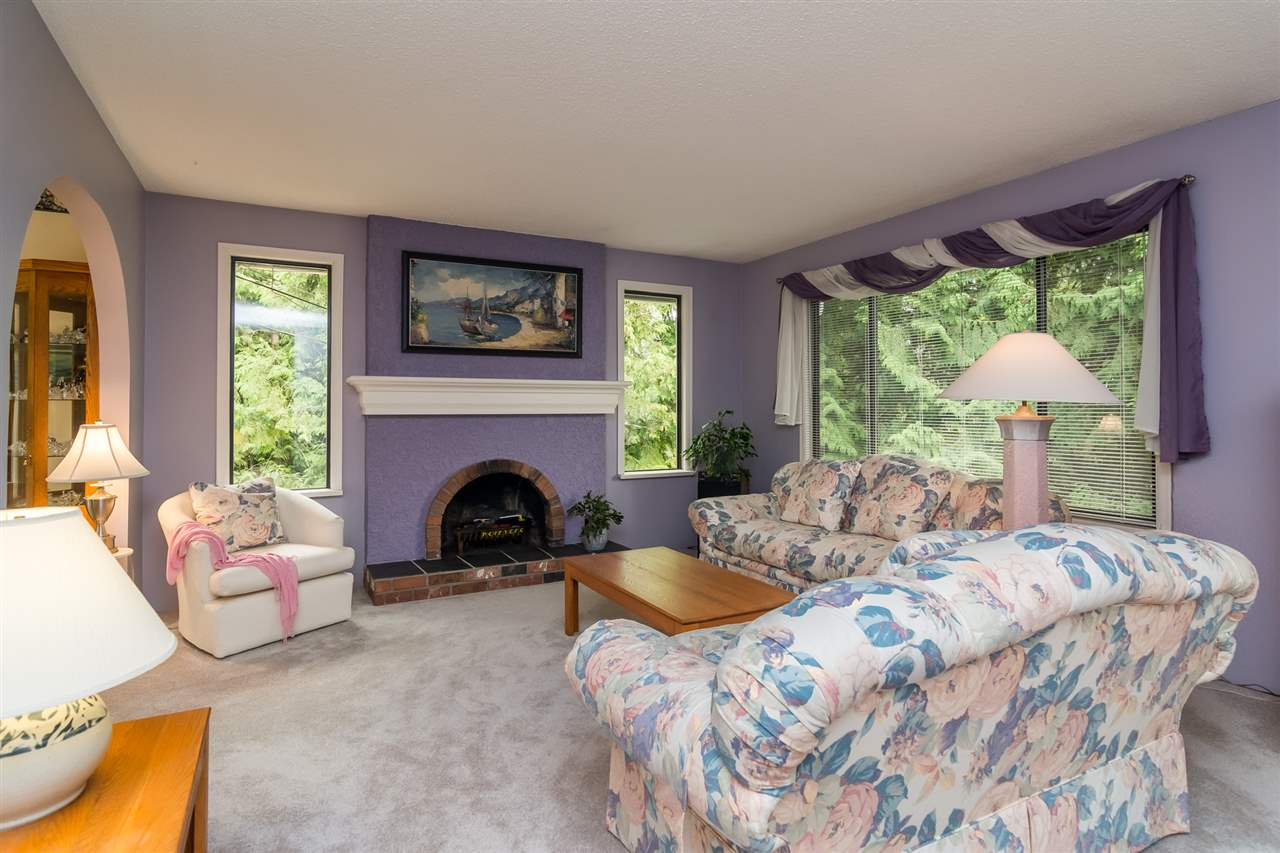 Detached at 20467 43 AVENUE, Langley, British Columbia. Image 3